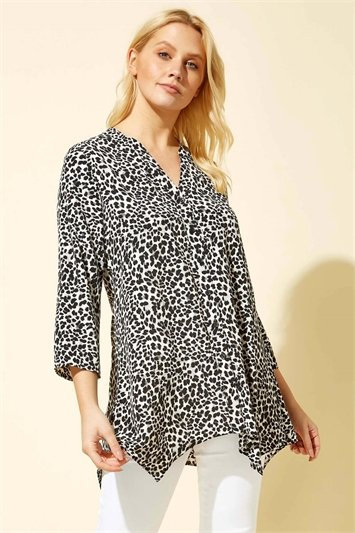 Hanky Hem Animal Print Shirt