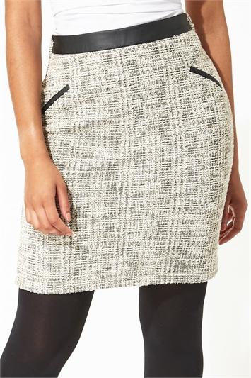 Contrast Waist Boucle Short Skirt