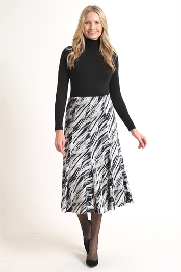 Juilana Abstract Stripe Printed Skirt