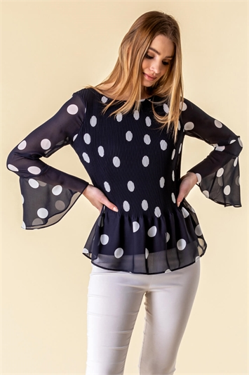Spot Flute Sleeve Pleated Top