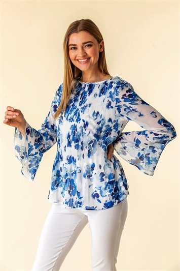 Floral Fluted Sleeve Pleated Top