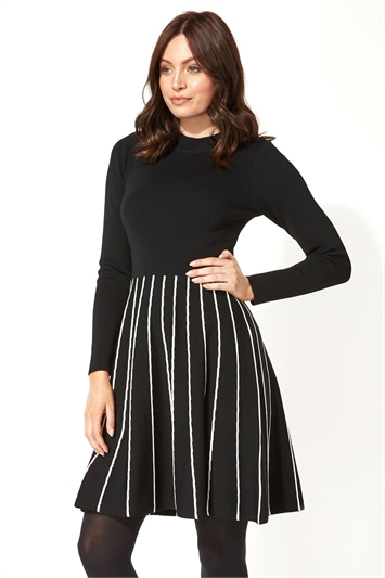 Contrast Fit and Flare Knitted Dress