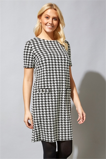 Houndstooth Check Shift Dress