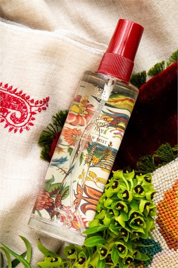 Wine Heathcote & Ivory Wild Wonder & Joy Pillow Mist
