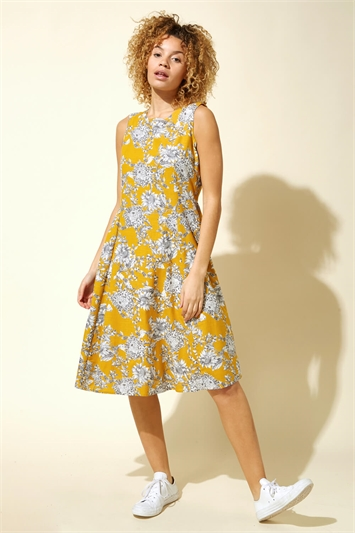 Floral Print Pleat Swing Dress