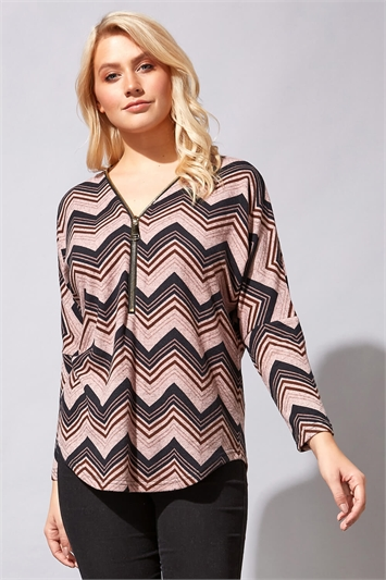 Zip Detail Zig Zag Top